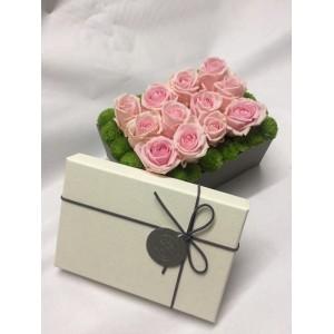 Box z różami i santini