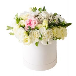Box mieszanych kwiatów w...