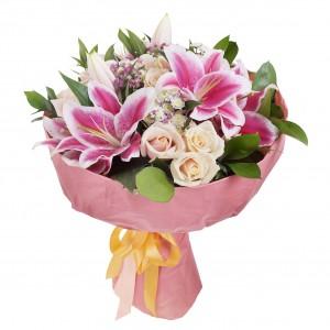 Bukiet z lili i różyczek...